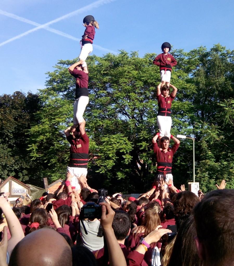 Spanische Pyramide auf dem Karneval der Kulturen